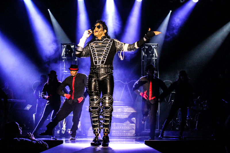 https://d3ofbylanic3d6.cloudfront.net/shows/mj-live-at-the-stratosphere/IMG_1945.jpg