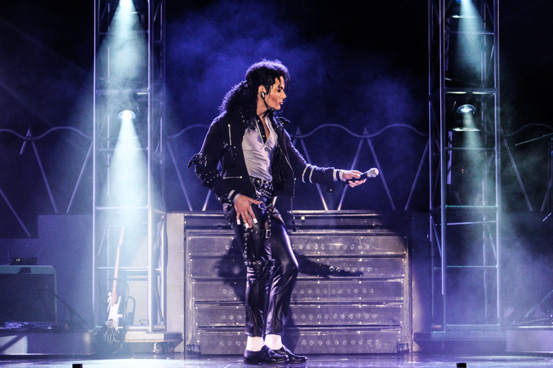 https://d3ofbylanic3d6.cloudfront.net/shows/mj-live-at-the-stratosphere/IMG_2006.jpg