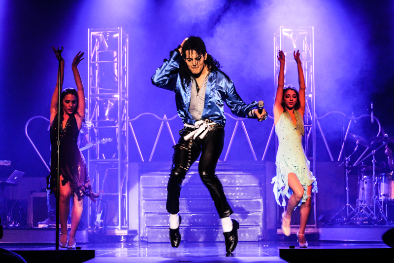 https://d3ofbylanic3d6.cloudfront.net/shows/mj-live-at-the-stratosphere/IMG_2100.jpg